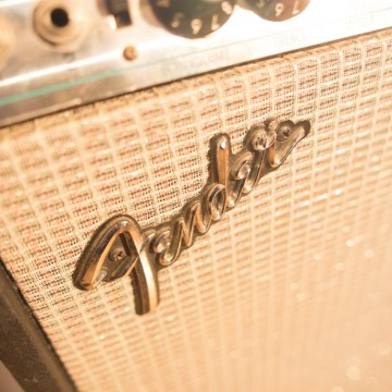 Fender_closeup